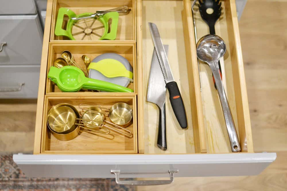 organized kitchen drawers