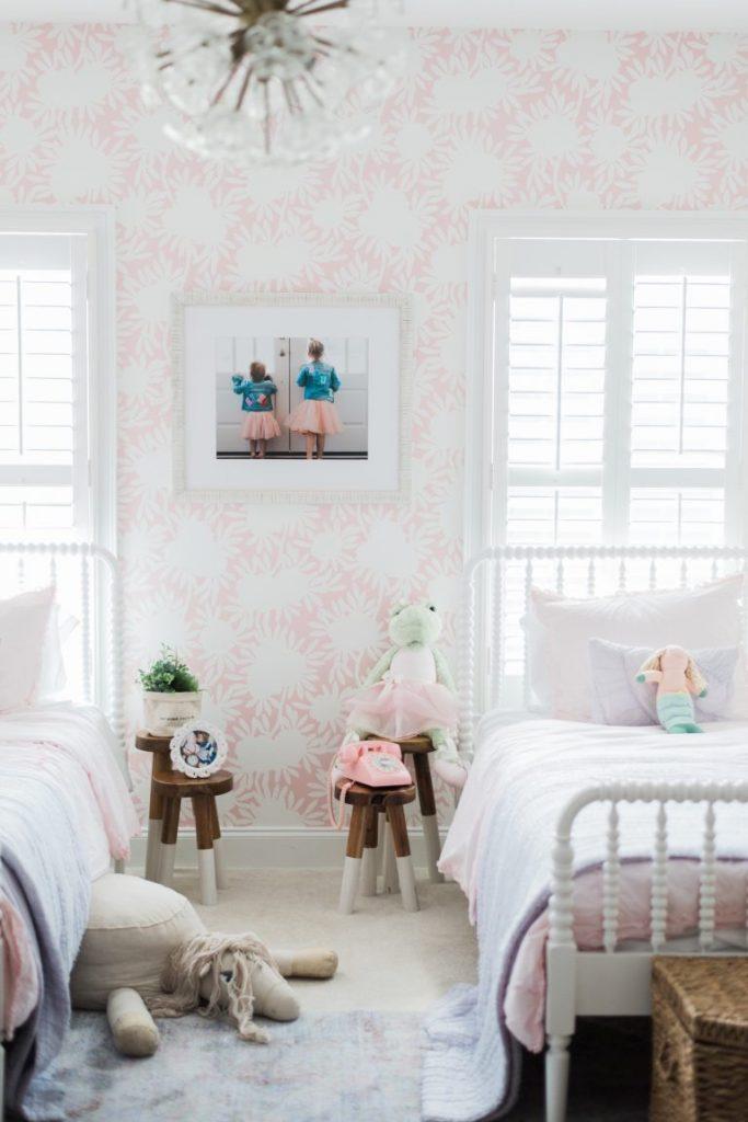 pink wallpaper in a little girls room