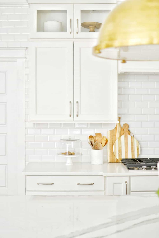 close up of quartz countertops - great coastal kitchen ideas