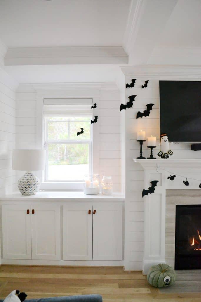 felt bats on a wall for halloween design ideas