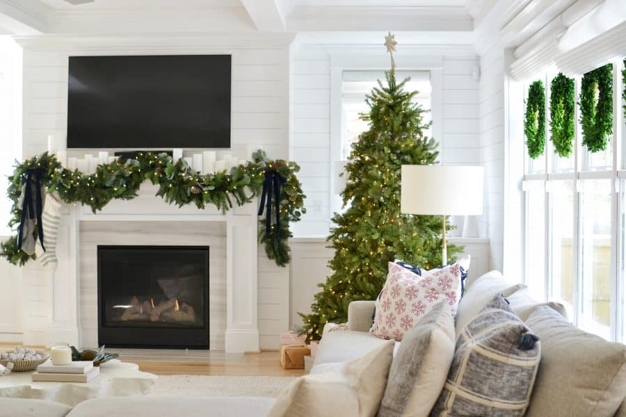 Create A Magazine Worthy Christmas Garland In 30 Minutes