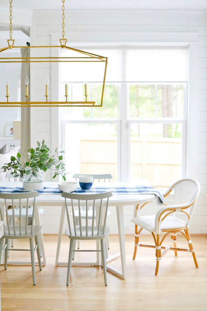 The 12 Best White Round Dining Tables Chrissy Marie Blog