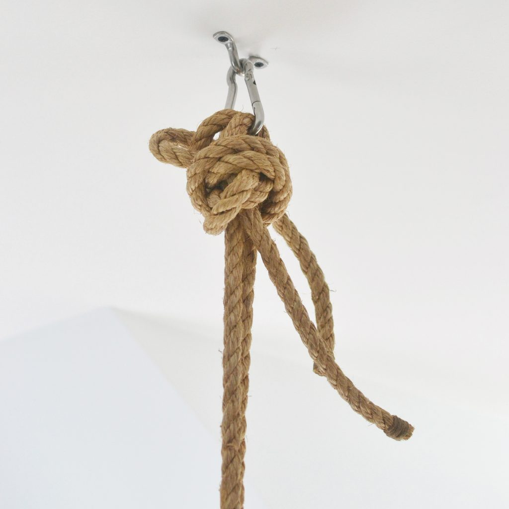 a close up of a knot in a rope